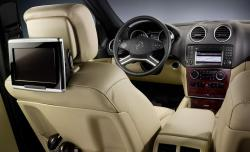 MERCEDES-BENZ ML interior
