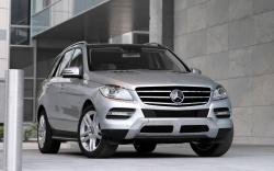 MERCEDES-BENZ ML silver