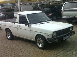 NISSAN 1400 BAKKIE brown