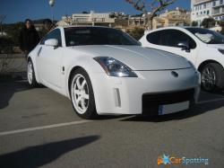 NISSAN 350 Z white