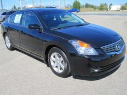 NISSAN ALTIMA 2.5 black