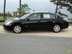 NISSAN ALTIMA black