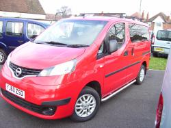 NISSAN NV200 red