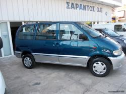 NISSAN SERENA 1.6 red