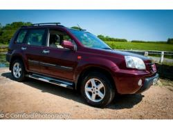 NISSAN X-TRAIL 2.0 red