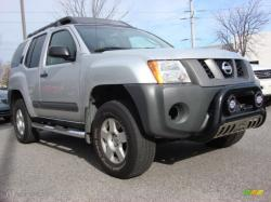NISSAN XTERRA 4X4 red