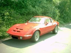 OPEL 1900 GT red