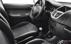 PEUGEOT 206 1,4 interior