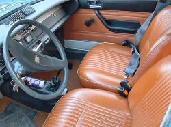 PEUGEOT 304 interior
