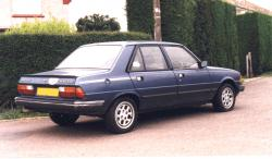 PEUGEOT 305 BREAK blue