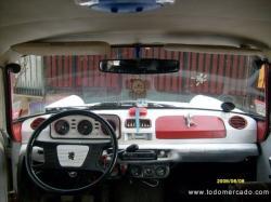PEUGEOT 404 interior