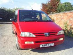 PEUGEOT 806 red