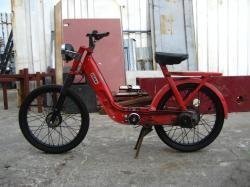PIAGGIO BRAVO red