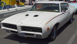 PONTIAC GTO white