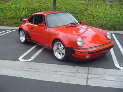 PORSCHE 930 TURBO red