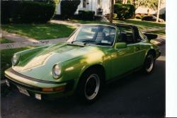 PORSCHE 930 green