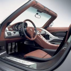 PORSCHE CARERRA GT interior