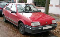 RENAULT 19 red