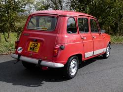 RENAULT 4 red