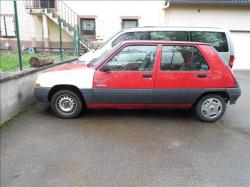 RENAULT 5 1.7 red