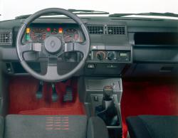 RENAULT 5 GT TURBO interior