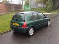 RENAULT CLIO green