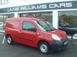 RENAULT KANGOO red