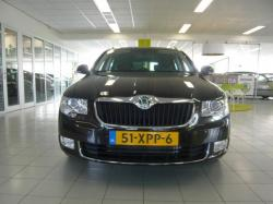SKODA SUPERB 1.4 brown