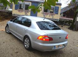 SKODA SUPERB green