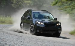SUBARU FORESTER 2.0 black