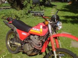 SUZUKI DR 250 S brown