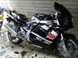 SUZUKI GSX 1100 black
