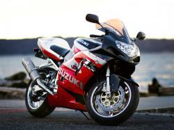 SUZUKI GSX 1400 red