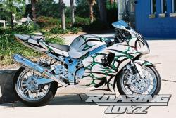 SUZUKI GSX-R1000 green