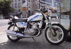 suzuki gt 750