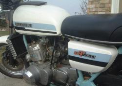 SUZUKI GT 750 white