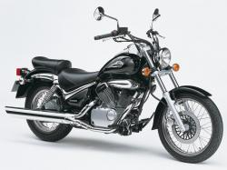 SUZUKI INTRUDER 125 green