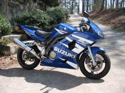 SUZUKI SV 650 blue