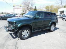 TOYOTA 4 RUNNER green