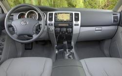 TOYOTA 4 RUNNER interior