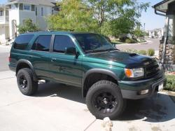 TOYOTA 4RUNNER green
