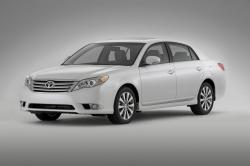 TOYOTA AVALON LIMITED white