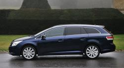 TOYOTA AVENSIS 1.6 blue