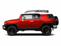 TOYOTA FJ CRUISER red