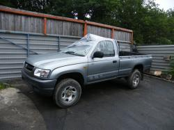 TOYOTA HILUX 2.4 brown