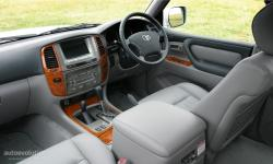 TOYOTA LAND 100 interior
