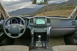 TOYOTA LAND CRUISER 200 interior