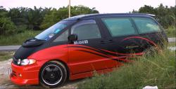 TOYOTA PREVIA red