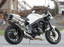 TRIUMPH 1050 SPEED TRIPLE silver