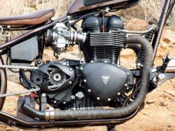 TRIUMPH BONNEVILLE engine